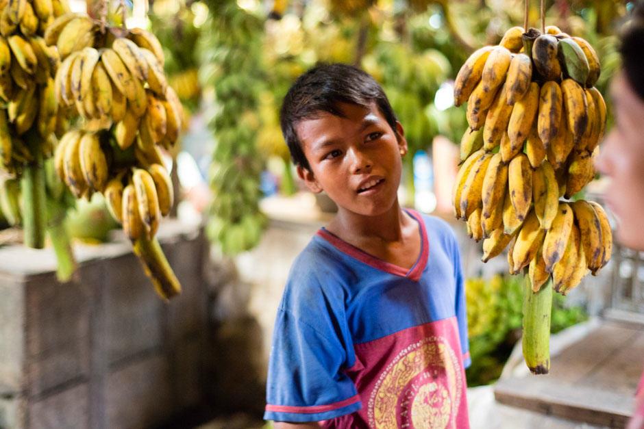 Burmese banana market