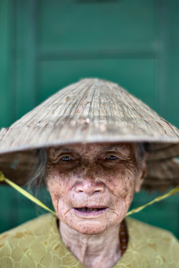 Old Vietnamese lady portrait