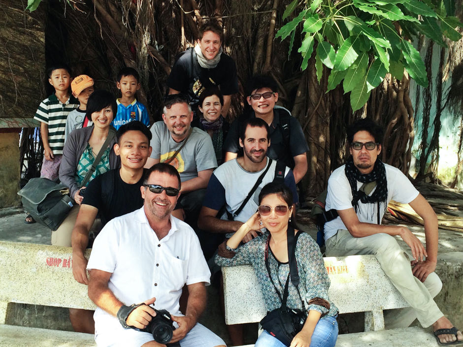 group photos of photo tour Hoi An