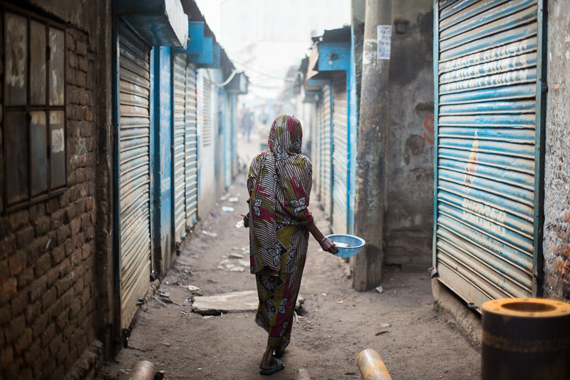 Bengali woman walking the streets of South Dhaka