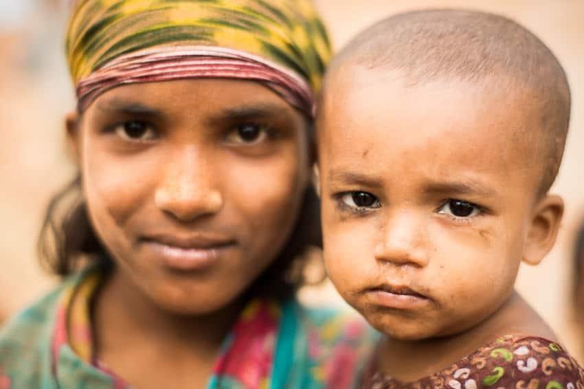 2 siblings in a brick factory in Bangladesh