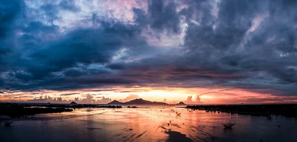 Sunrise over Cua Dai bridge during Hoi An photo tour and workshop