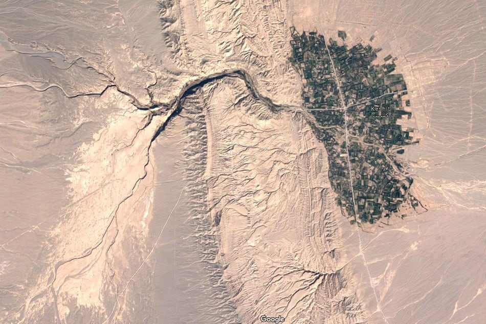Image taken by satellite of the oasis of Keshit in Iran - Copyright Google images