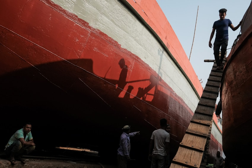 Workers captured in the shipyards of Dhaka during a photography tour in Bangladesh by Pics of Asia