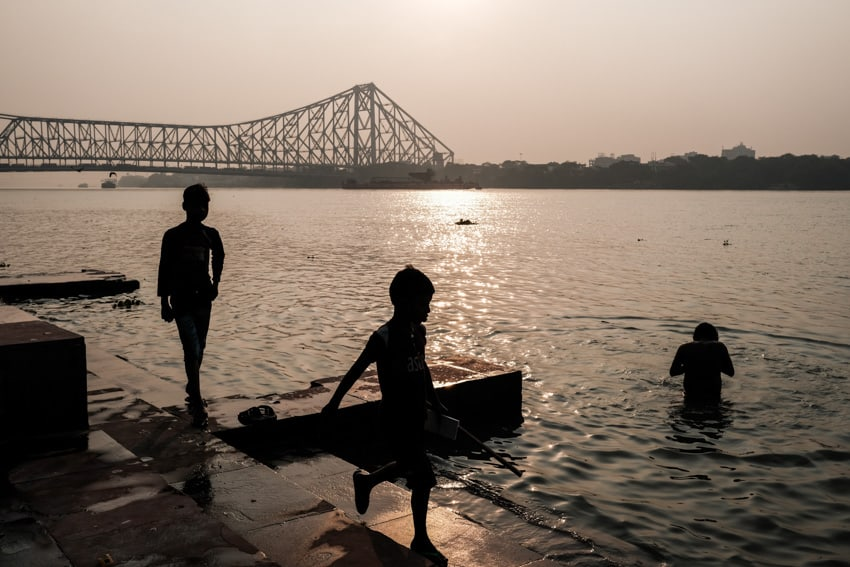 people walking on the Jagannath ghat in Kolkata