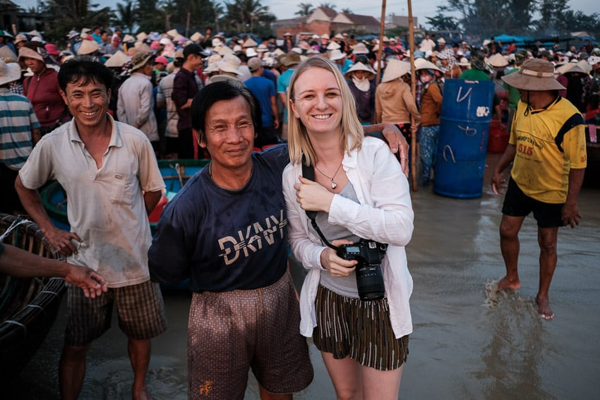 Taking photos of people when travelling in Asia with Pics of Asia