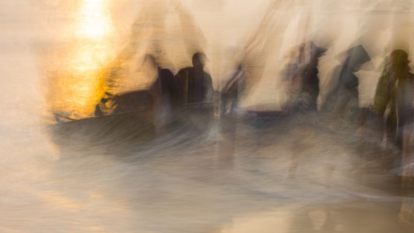 Showcase intentional camera movement for Pics of Asia. Copyright Janet Powick.