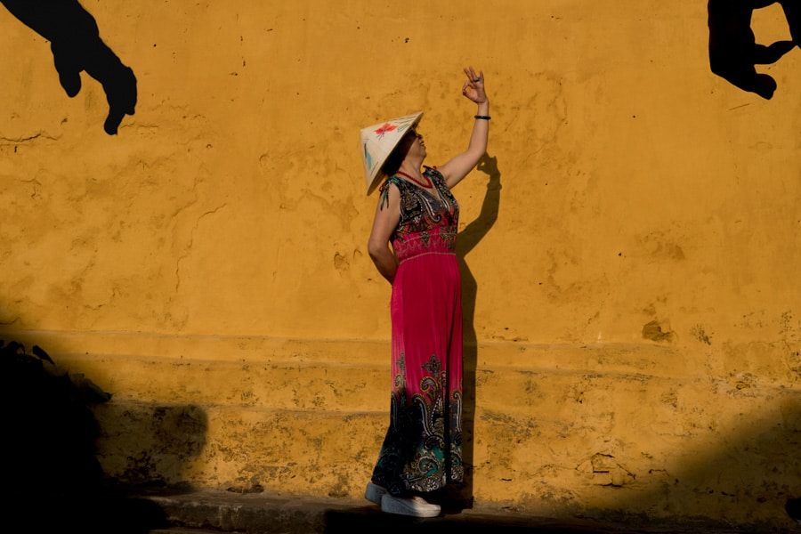 Street photography in Hoi An by Andy Barker